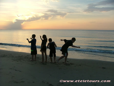 children playing at sunrise in Boynton Beach, FL